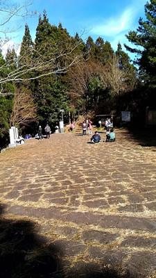 日本一の石段 頂上の広場