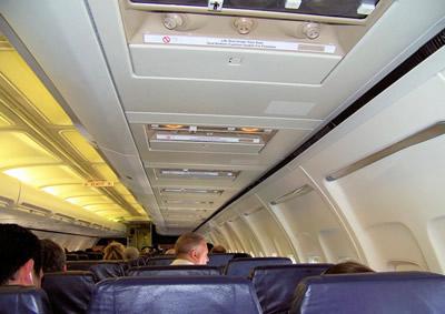 機内と乗客