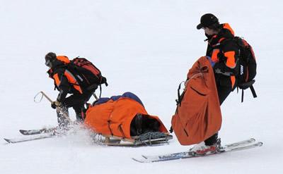スキーでレスキュー